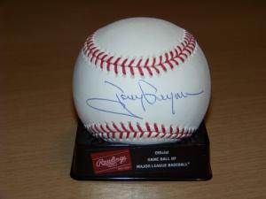 Gwynn signed ball